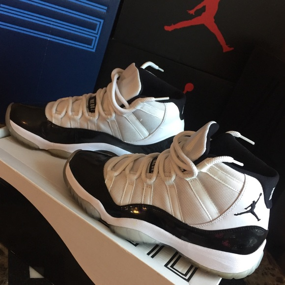 d823cec27ab517 Jordan Other - Men s Air Jordan Retro 11 - Size 8 1 2 - Used